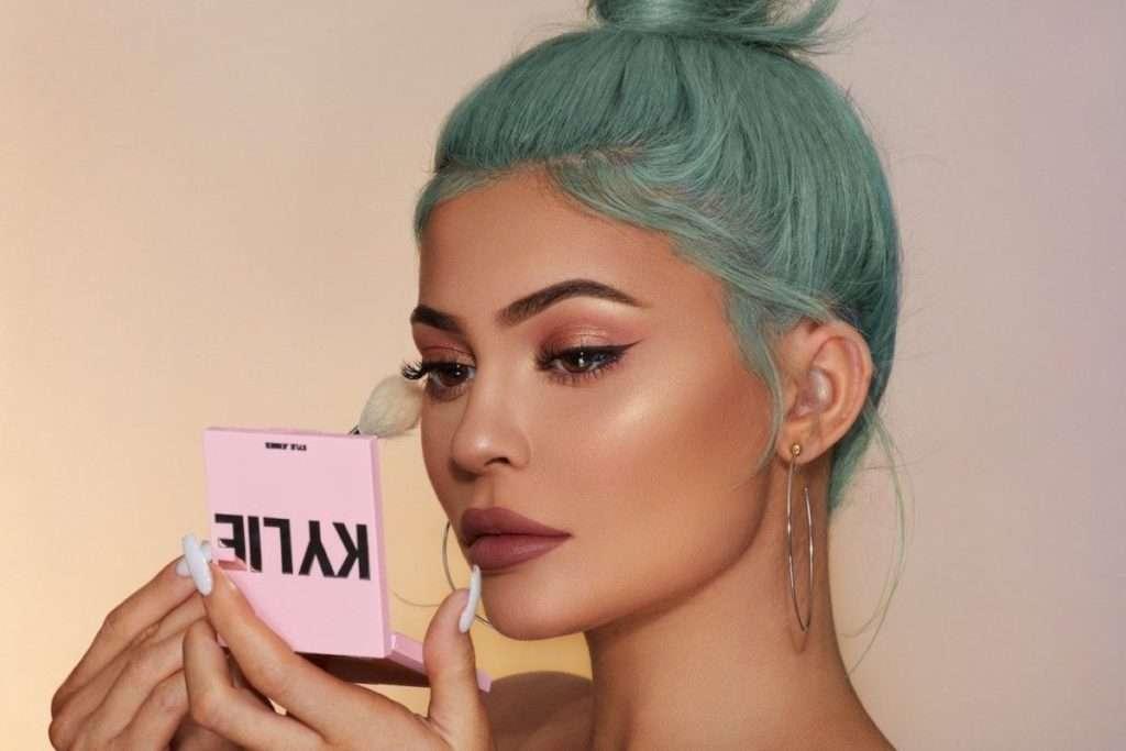 Kylie Jenner prodala većinski udio svog beauty brenda