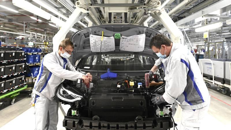 Hrvati lani kupili čak 42,6 posto manje novih vozila, VW je prvi