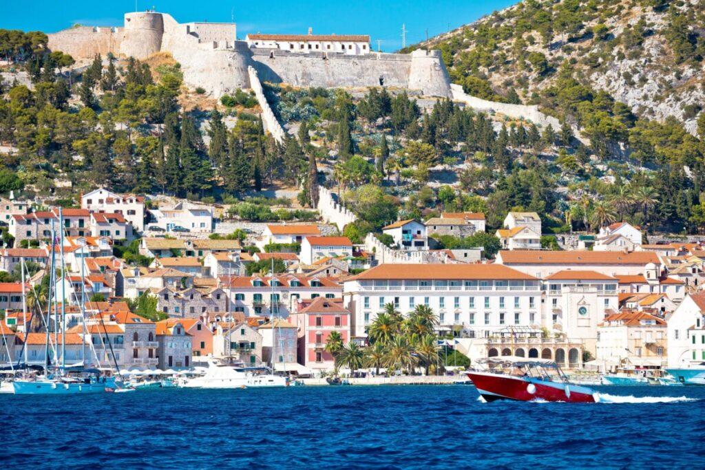 Hvar (ponovno) proglašen najboljim europskim otokom